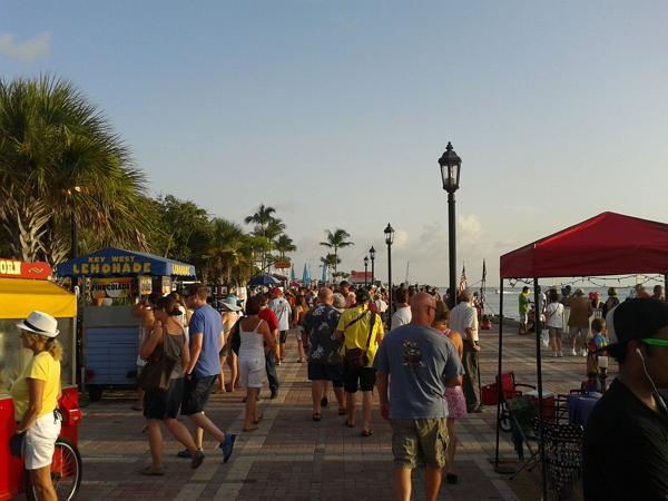 佛羅里達自由行~Key West碼頭廣場人潮