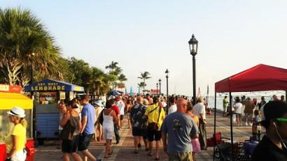 佛羅里達自由行Key-West碼頭廣場人潮